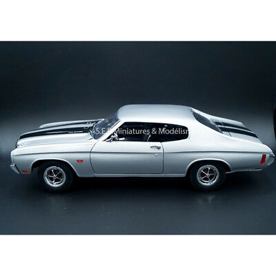 Chevrolet Chevelle Ss 454 1970 Gris / Argent 1:18 Welly