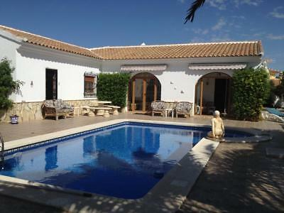 Beautiful Spanish 4 Bedroom 4 Bathroom Villa with Swimming Pool