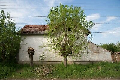 Bulgarian Property 3-room Detached House + 1435m2 Land in Lipnitsa