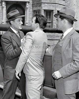 """Robert Stack & Paul Picerni In """"The Untouchables""""  8X10 Publicity Photo (Ep-929)"""