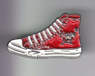 Rare Pins Pin s .. Sport Chaussure Shoes Converse Basket Rouge Happy Luck  ~Dx be6e5c3e3