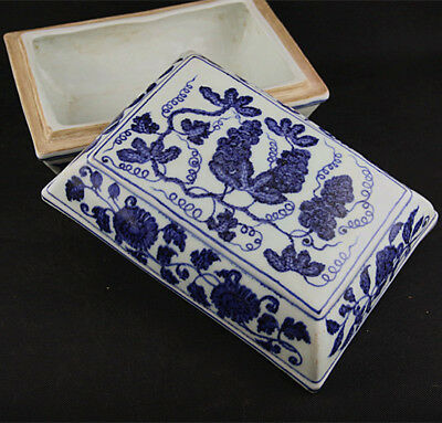 One Fine Chinese Blue White Porcelain Grape Box