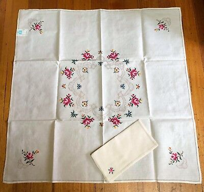 Vintage Emroidery Floral Tablecloth And Serviettes High Tea Supper Cloth Cotton