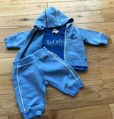 50370c17977e7 HUGO BOSS BABY boys velour babygrow and hat 3m (0-3 months) in Box ...