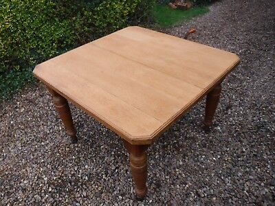 Antique Oak Wind Out Table (877M)