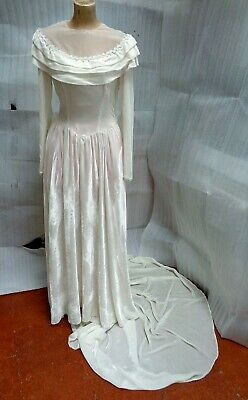 1940s Vintage WHITE VELVET WEDDING DRESS with TRAIN