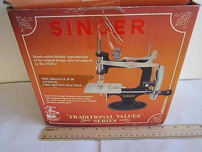 "NEW 1920S STYLE SINGER Sewing Machine K-20,CAST IRON,Mini 6.5""H,Collection,Limit"