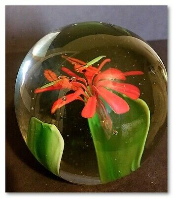 Outstanding Vintage Art Glass Paperweight