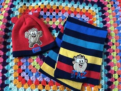 Infants  Boys TAZ Winter Hat & Scarf Set Looney Toons Excellent Condition
