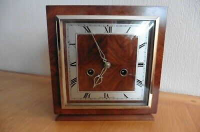 ART DECO CIRCA 1930S TO 1940s SMITHS 8 DAY WALNUT MANTEL CLOCK WITH GONG STRIKE