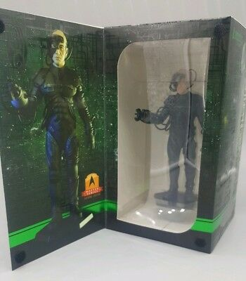 Loot Crate LOCUTUS MINI MASTER FIGURE Star Trek TNG Mission Qmx Picard NEW