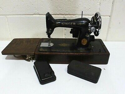 ANTIQUE SINGER Black and Gold Electric Sewing Machine + accessories + case - 254