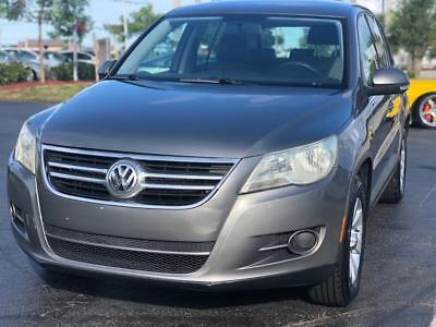2009 Volkswagen Tiguan  2009 Volkswagen Tiguan S 4dr SUV 2.0L I4 Turbocharger Cold AC FLORIDA OWNED