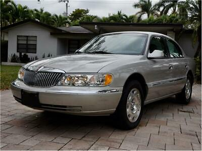 2002 Continental w/Driver Select System 2002 Lincoln Continental V8 w/Driver Select System 74,630 Miles Gray, CLN