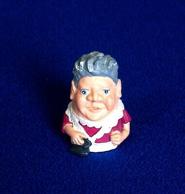 Thimble - Stephen Frost - Warwick Models - House Maid