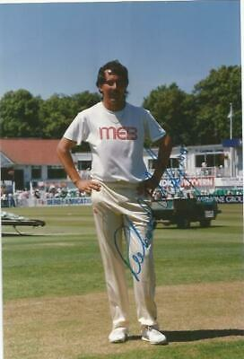 Worcestershire C.C.C Richard Illingworth signed 6x4 colour photo. SSP515