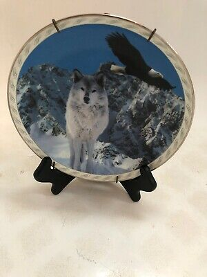 Bradford Exchange Masters of the Land and Sky Enduring Presence Wolf Eagle Plate