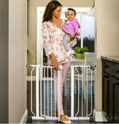 Regalo Easy Step 39-Inch Extra Wide Safety Baby Gate
