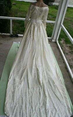 Vintage 1940's Ivory Satin Wedding Dress Off the Shoulder Size 0 - 4