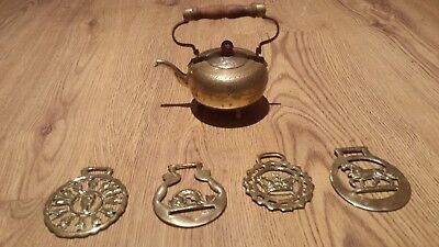 Antique Brass Ornate Kettle with Wooden Handle and 4 Horse Brasses