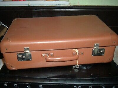 SUITCASE CASE LUGGAGE  VINTAGE 30s 40s STORAGE OLD BROWN  2 KEYS
