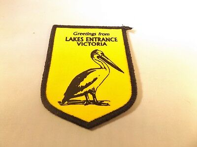 Vintage Cloth Badge    Lakes Entrance Victoria
