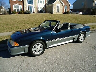 1989 Ford Mustang GT Convertible uper Clean 5 Speed 5.0 - Low miles 2 owner car