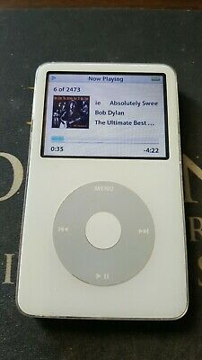 Apple iPod Video Classic 5th Generation White (30 GB)
