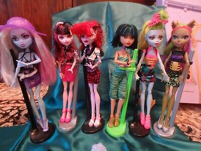 Monster High Dolls and accessories: Bundle of 6 dolls