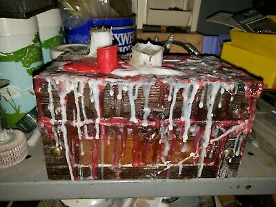 The Dybbuk Box That Is Cursed / The Flipped House Box