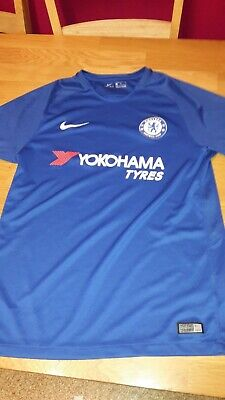 Chelsea FC Home Shirt with Free Shorts 2018/19  BNWT Adult size je