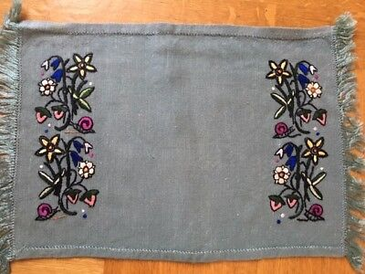 6 Hand embroidered place mats - vintage