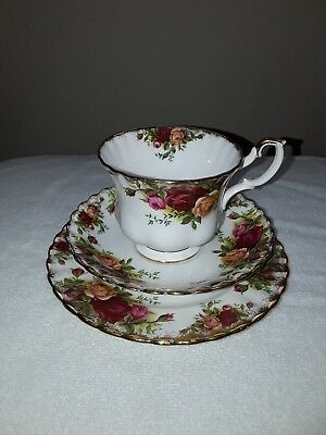 Old Country Roses - Royal Albert China - set of 1cup, saucers and tea plate