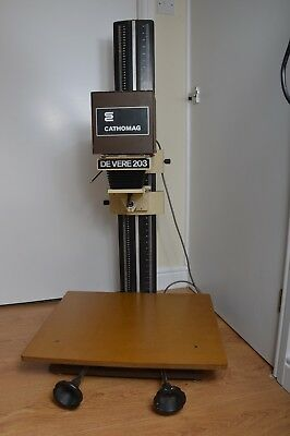 Devere 203 enlarger with Cathomag head. Very good condition