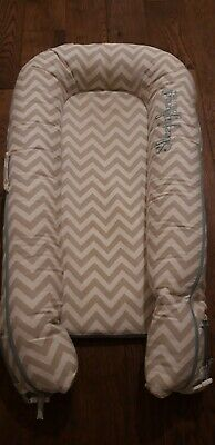 Sleepyhead Deluxe+ Grey chevron Baby Pod, 0-8 months, Brilliant Condition