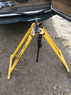 conduit pipe bender X2 And Pair Of 3 Tonne Cable Stands