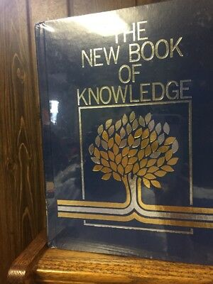 Grolier Society The New Book of Knowledge Encyclopedia  Annual  2006 new  sealed