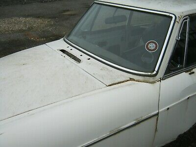 MGB GT 1978 FULL Service history, solid floors! please see main listing.