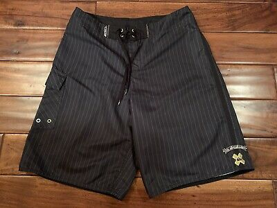 bd4367e508 QUIKSILVER MEN'S BOARDSHORTS, Surf Shorts, Wakeboard Shorts Size 33 ...