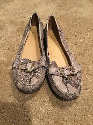 5e372e143ce COLE HAAN WOMENS Shelby Loafer Moc Driver Roccia Snake Skin Bit Size ...