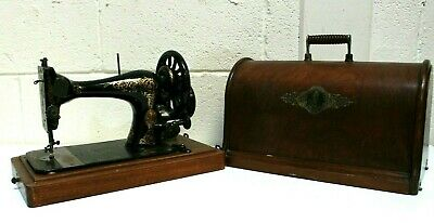 ANTIQUE SINGER Black and Gold Manual Sewing Machine + case - 250