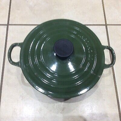 Le Creuset Dark Green 20 Round Casserole Dish - Complete - Cracked Lid
