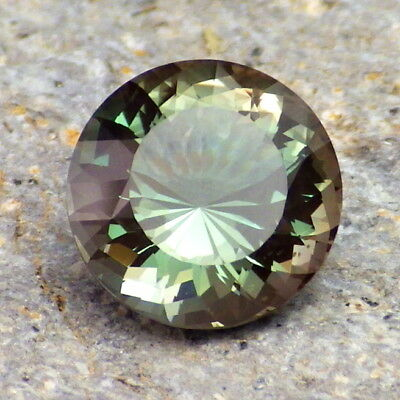 Peacock-Emerald Vert Dichroïque Oregon Sunstone 3.21ct Flawless-Investment Grade