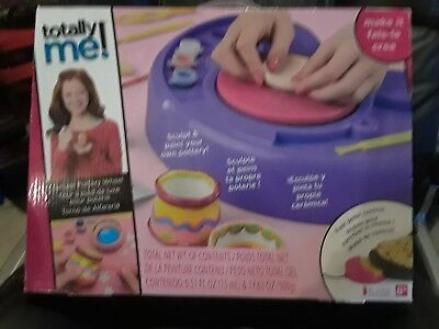 Totally Me Toys R Us Deluxe Pottery Wheel With Foot Pedal Control And Paint NIB