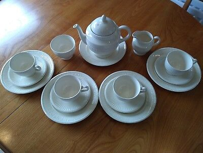 Vintage Wedgwood Queensware 'Edme' Cream Tea Set 15 Piece Complete