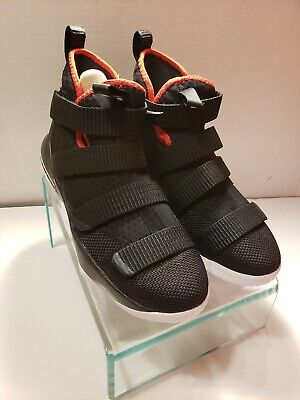 9c1eef136d4 NIKE LEBRON JAMES Soldier XI Gray Green 918369 002 6.5 YOUTH ...
