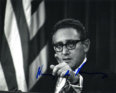 HENRY KISSINGER SIGNED AUTOGRAPHED 8x10 PHOTO SECRETARY OF STATE BECKETT BAS