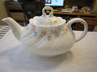 Rosina Queens Bone China England CLAIRE Teapot with Lid