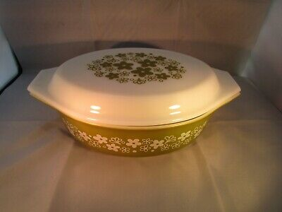 VINTAGE PYREX CRAZY DAISY OVAL COVERED CASSEROLE W/ LID DISH  2.5 QT avocado
