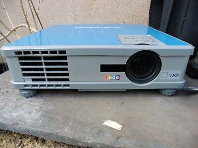 Mitsubishi XL8U LCD Projector (suitable for netflix or home movies via laptop)